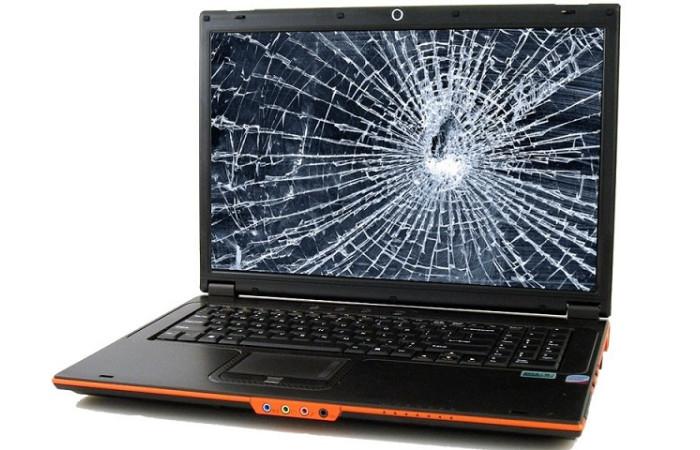 Ноутбук впав — можливі наслідки і що робити